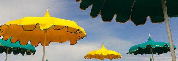 ombrelloni-al-mare-di-rimini