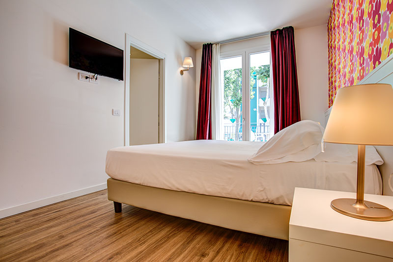 Rimini suite hotel 4 stelle camera superior for Camera 5 stelle