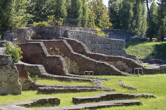 resti-anfiteatro-romano