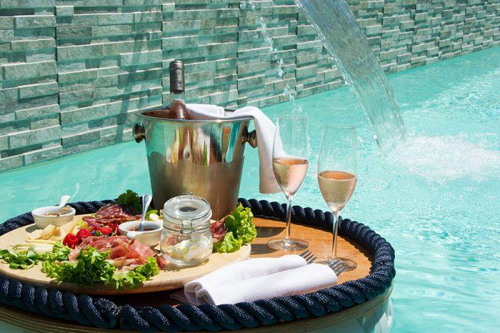 piscina-tavolino-galleggiante-2